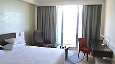 Referenz Sheraton Hotel Tel Aviv - Relaxsessel Rocky im Executive Club Zimmer klein