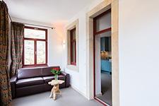 Referenz Villa Richter - Schlafsofa Bruno im Leder Farbe Tabak klein